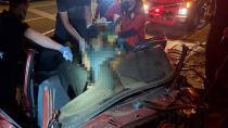 Araç yaya üstgeçidine çarptı: 1 kişi hayatını kaybetti